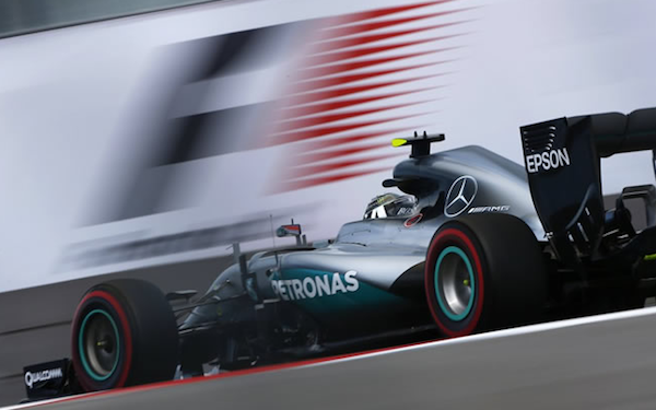 Nico Rosberg sigue invicto en 2016. Ganó en Sochi, de punta a punta.
