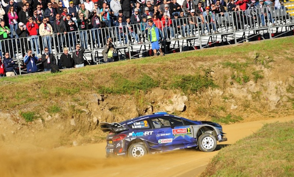 Ott Tanak y su Ford están en la punta del Rally de Portugal tras un PC 7 con muchos incidentes.